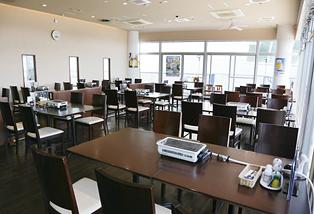 テーブル席(52席)